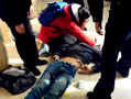 男子在ATM上20分钟未存完钱 被排队者刺死