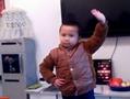5岁男孩跳广场舞