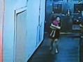 监拍8岁女孩疑被母亲饿死 死时仅8公斤