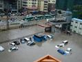 深圳暴雨引发10起次生灾害 2000辆车被淹