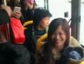 福州男子公交车上浪漫求婚 乘车大妈表情冷淡