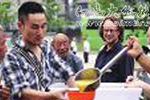 实拍英国富豪卖家产来西安给流浪汉送饭7年