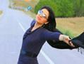 伊朗妇女摘掉面纱网晒照片 获上万人点赞